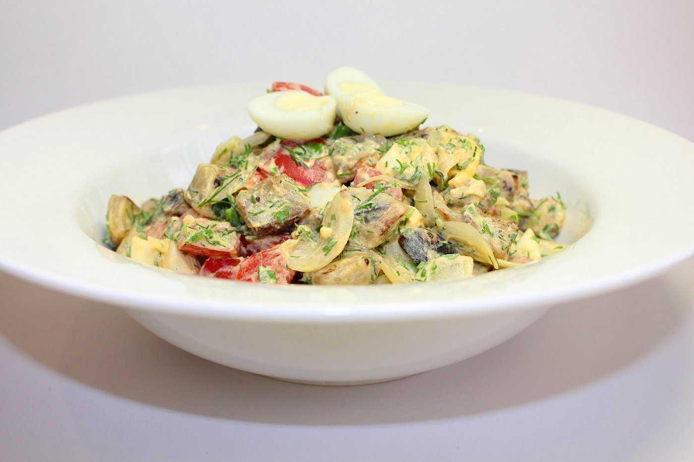 Теплый салат с курицей баклажанами и помидорами рецепт с фото пошагово и видео - 1000.menu