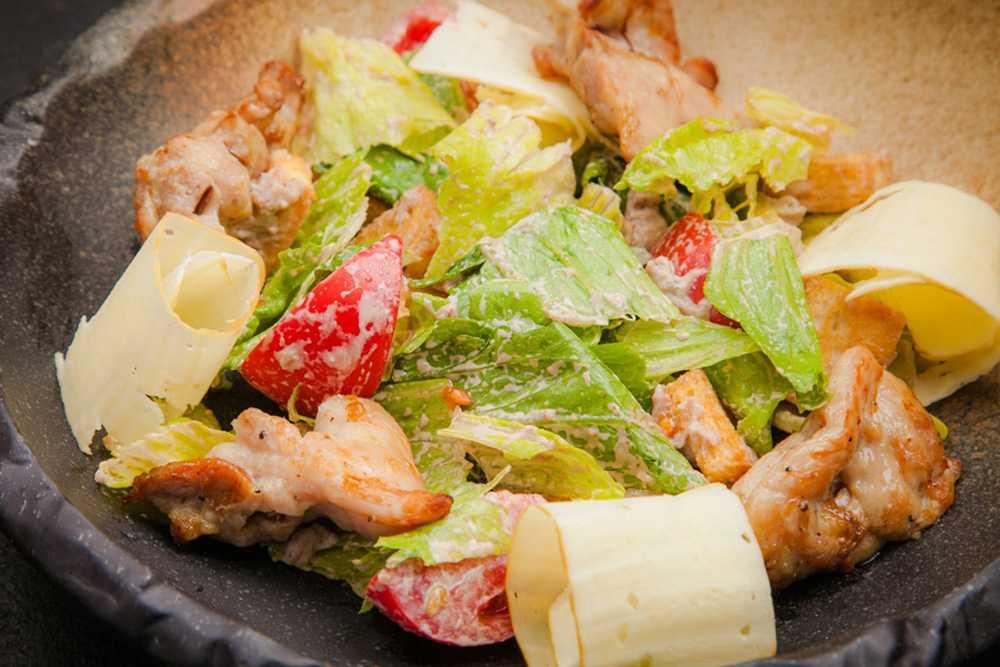 Салат с сыром косичка и курицей рецепт с фото - 1000.menu