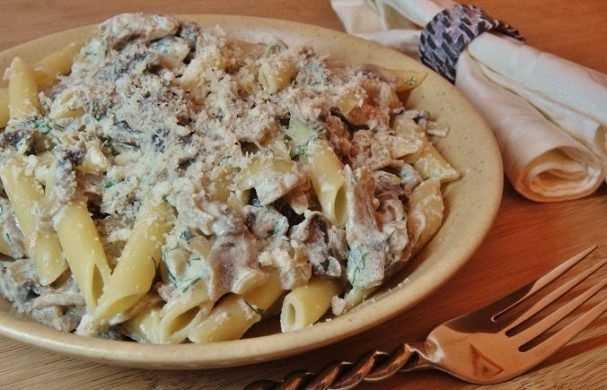Подлива из белых грибов — вкуснейшая грибная подливка из сушеных грибов со сметаной и другие рецепты