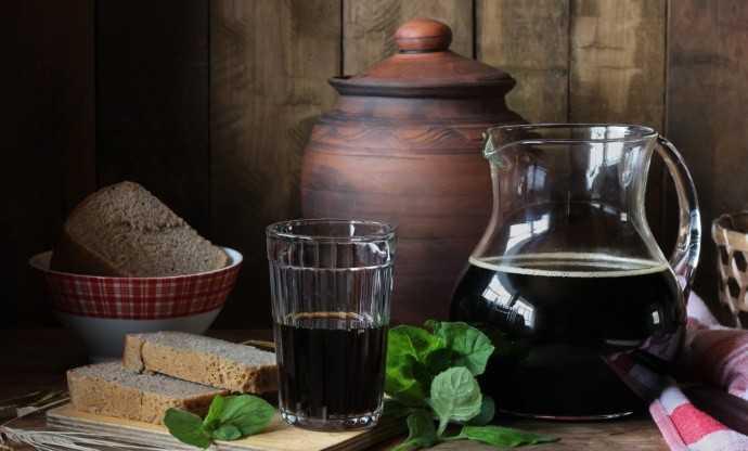 Квас из ревеня в домашних условиях. Правила выбора и подготовки ингредиентов. Популярные рецепты приготовления кваса на основе этого растения.