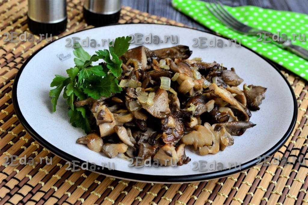 Как вкусно пожарить вешенки с луком и рецепты маринованных грибов с зеленым и репчатым луком