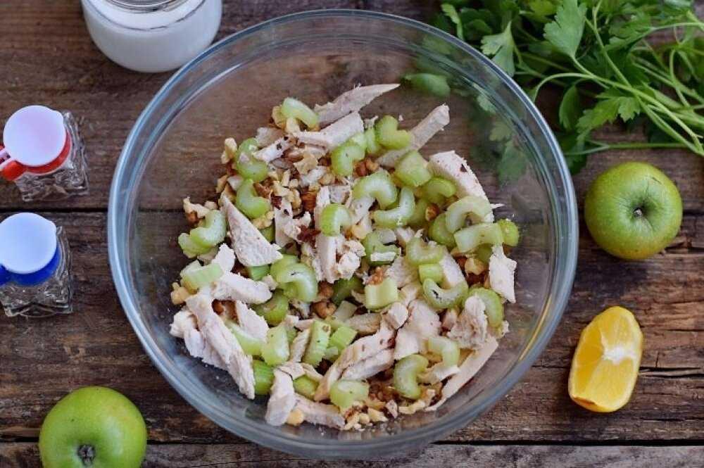 Рецепт салата с сельдереем, грецкими орехами и горчицей   меню недели