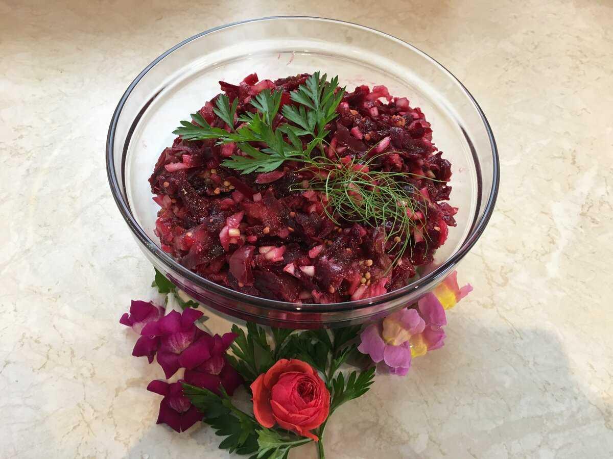 Салат из свеклы без майонеза - ешь хоть каждый день и здоровье будет: рецепты с фото и видео
