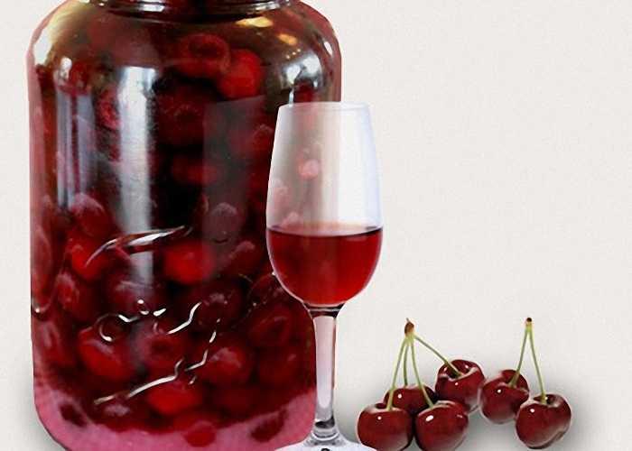 Брусничная настойка: приготовление на спирте и водке