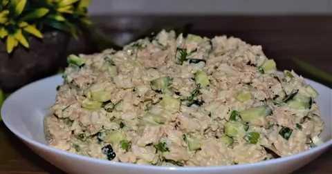 Как приготовить салат с рыбной консервой и яйцом: поиск по ингредиентам, советы, отзывы, пошаговые фото, подсчет калорий, изменение порций, похожие рецепты