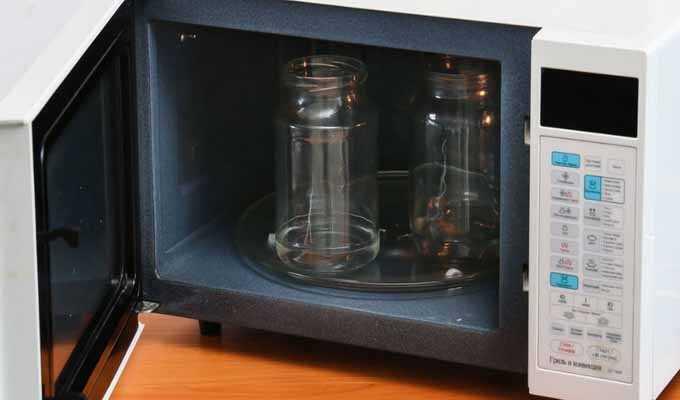 Быстро, качественно, надёжно: стерилизация банок в духовке
