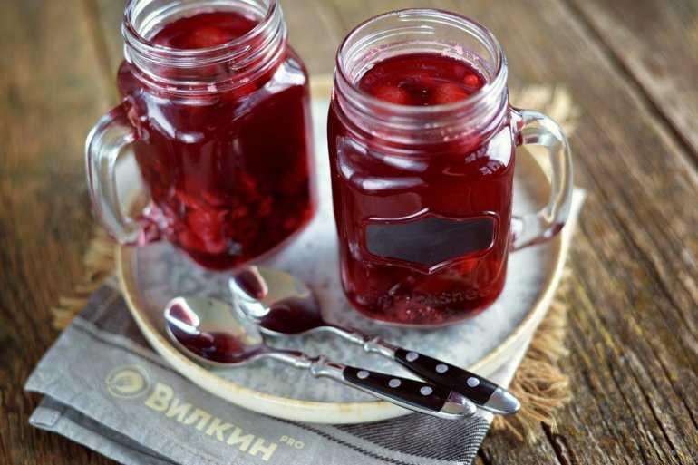 Компот из черной смородины: рецепты из свежей, замороженной ягоды, на зиму