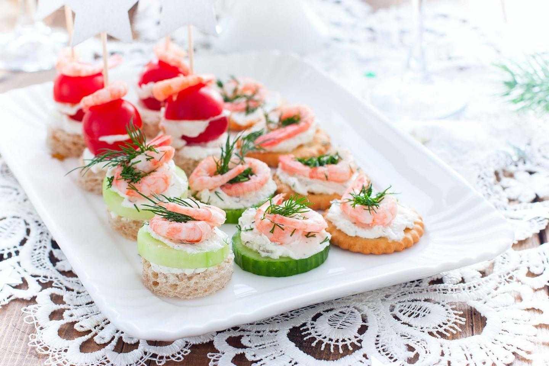 Канапе с красной рыбой - гениально и просто удивить гостей: рецепт с фото и видео
