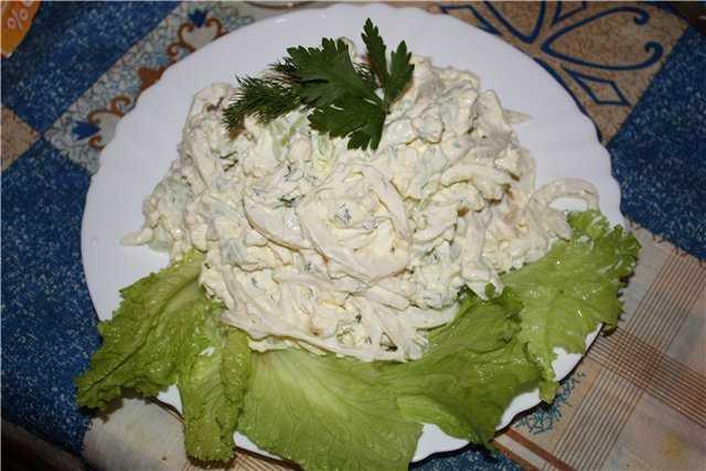 Салат с плавленным сыром с чесноком и