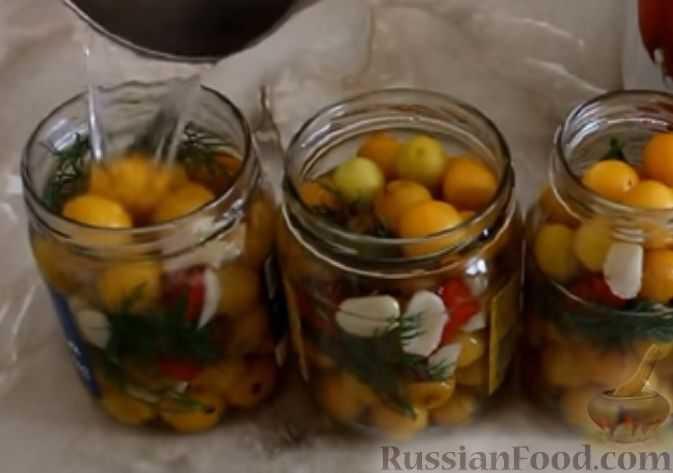 Компот из алычи с косточками на зиму - 7 пошаговых фото в рецепте