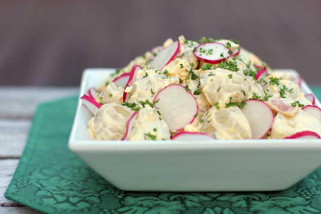 Вкусные и простые салаты с редиской и огурцом. 11 рецептов