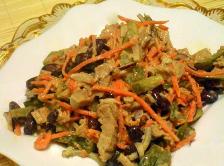 Салат обжорка - классический рецепт с фото, как приготовить