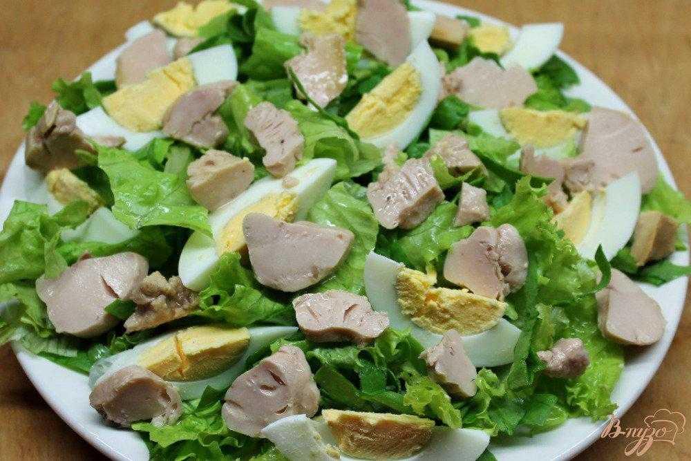 Салат с печенью трески с огурцами и кукурузой рецепт с фото пошагово - 1000.menu