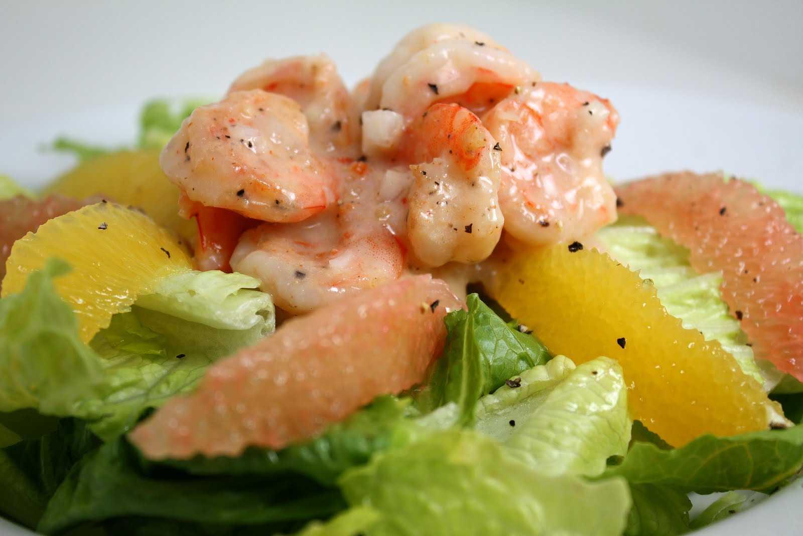 Салат с креветками и семгой – вкусное украшение торжественного стола на любой праздник: рецепты с фото и видео