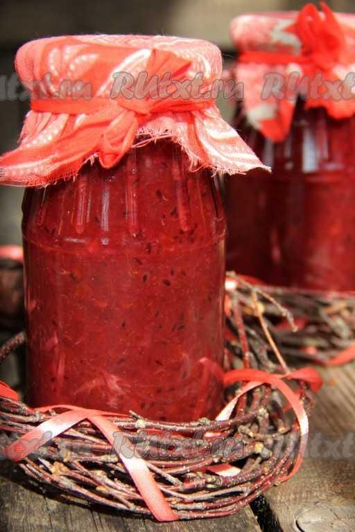 Простые рецепты конфитюра из крыжовника на зиму. Только из одной ягоды, с различными добавками и загустителями: крахмалом, агар-агаром, желатином и желфиксом. Особенности хранения.