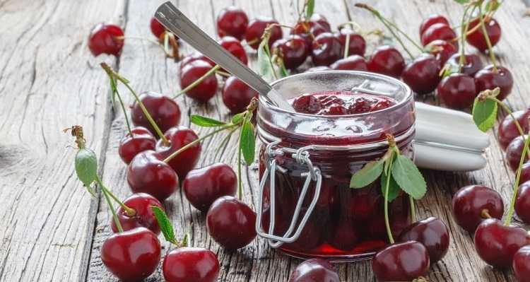 Варенье из вишни без косточек на зиму. Способы приготовления десерта из свежих и замороженных ягод. Вишневое варенье с лимоном, орехами, смородиной и малиной.