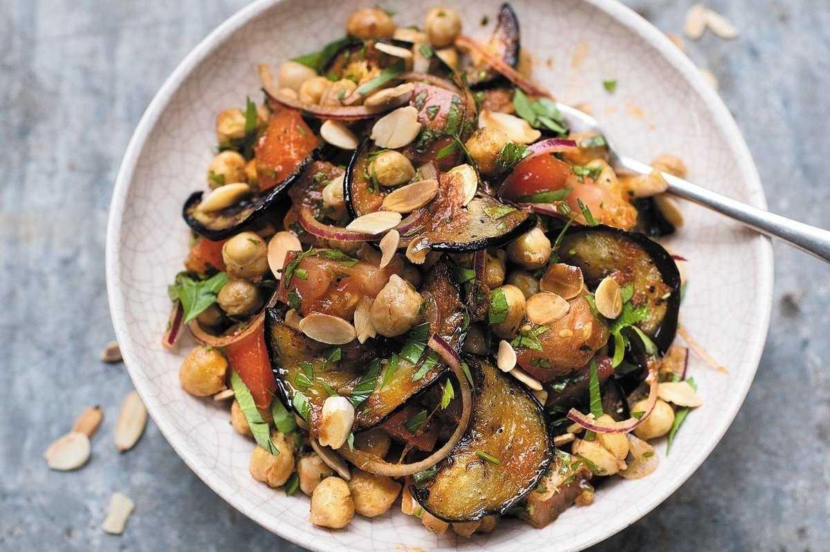 Салат из баклажанов и нута рецепт с фото - 1000.menu