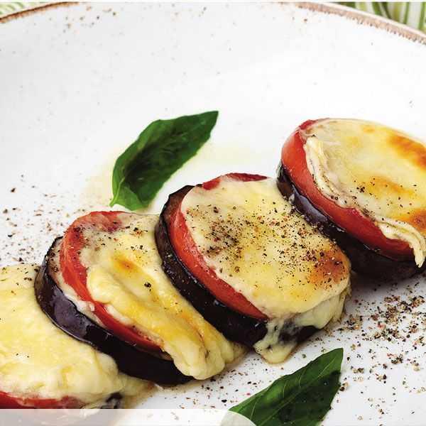 Баклажаны с моцареллой запеченные - 1000.menu