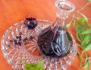 Настойка из черники на водке, спирту или самогоне по простым рецептам приготовления в домашних условиях
