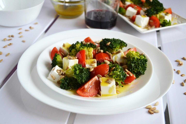 Хлебный салат с помидорами рецепт с фото пошагово - 1000.menu