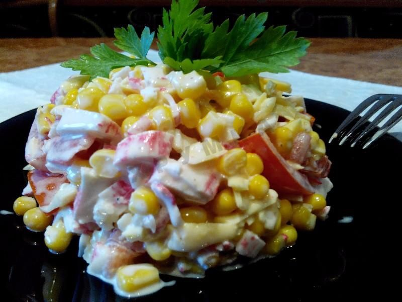 Крабовый салат - 10 очень вкусных и простых рецептов с фото пошагово