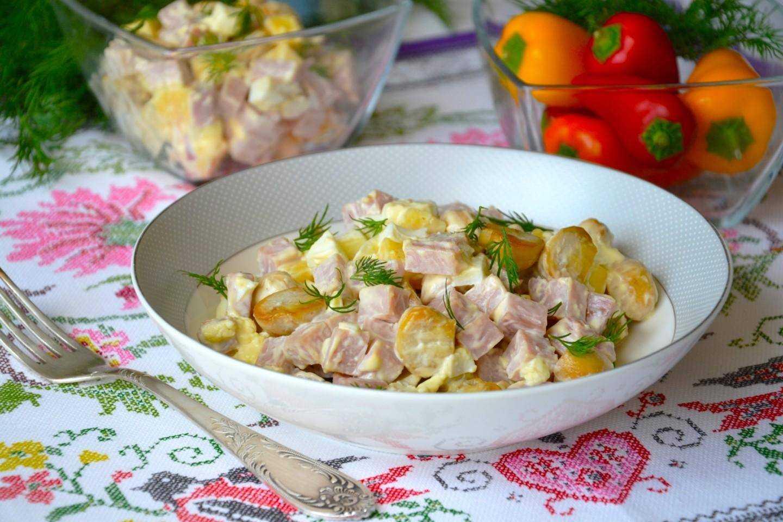 Салат из консервированной сайры: 129 домашних вкусных рецептов