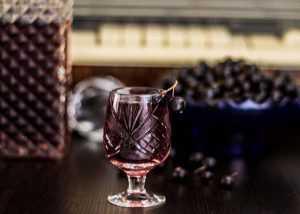 Ликер из черной смородины в домашних условиях: простые рецепты