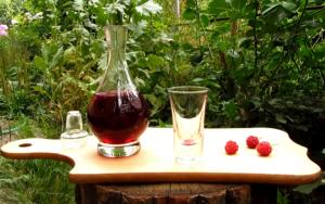 Делаем домашнее вино из боярышника