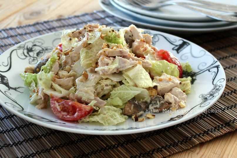 Салат «любимый муж» - рецепты с копченой курицей и свининой, с помидорами и сухариками