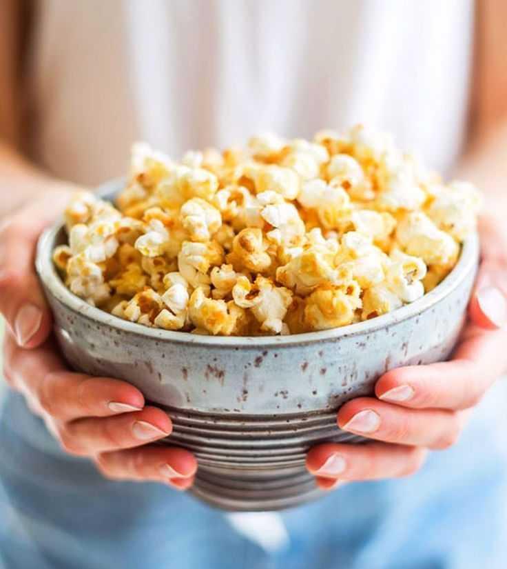 Сладкий и соленый попкорн: 6 аппетитных рецептов