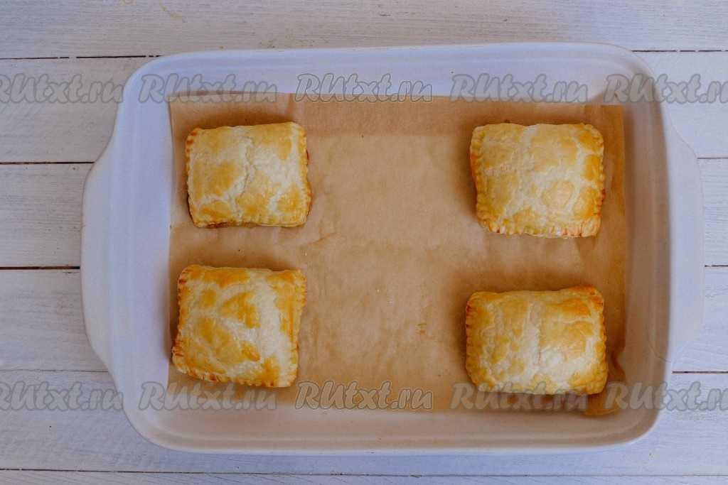 Пирожки с картошкой в духовке на дрожжевом тесте рецепт с фото пошагово и видео - 1000.menu