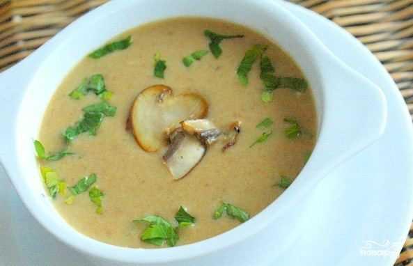 Грибной суп пюре из шампиньонов со сливками классический