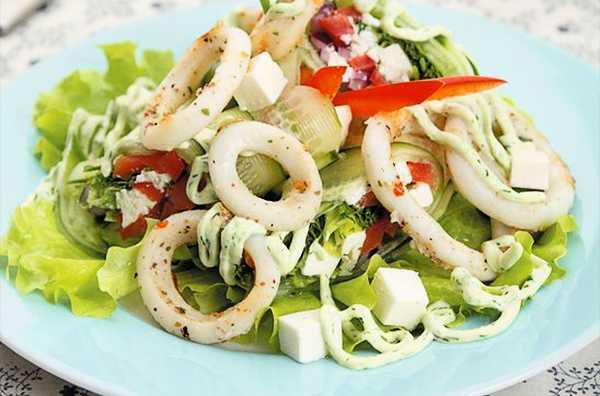 Салат из консервированного кальмара - полезный деликатес на вашем столе: рецепт с фото и видео