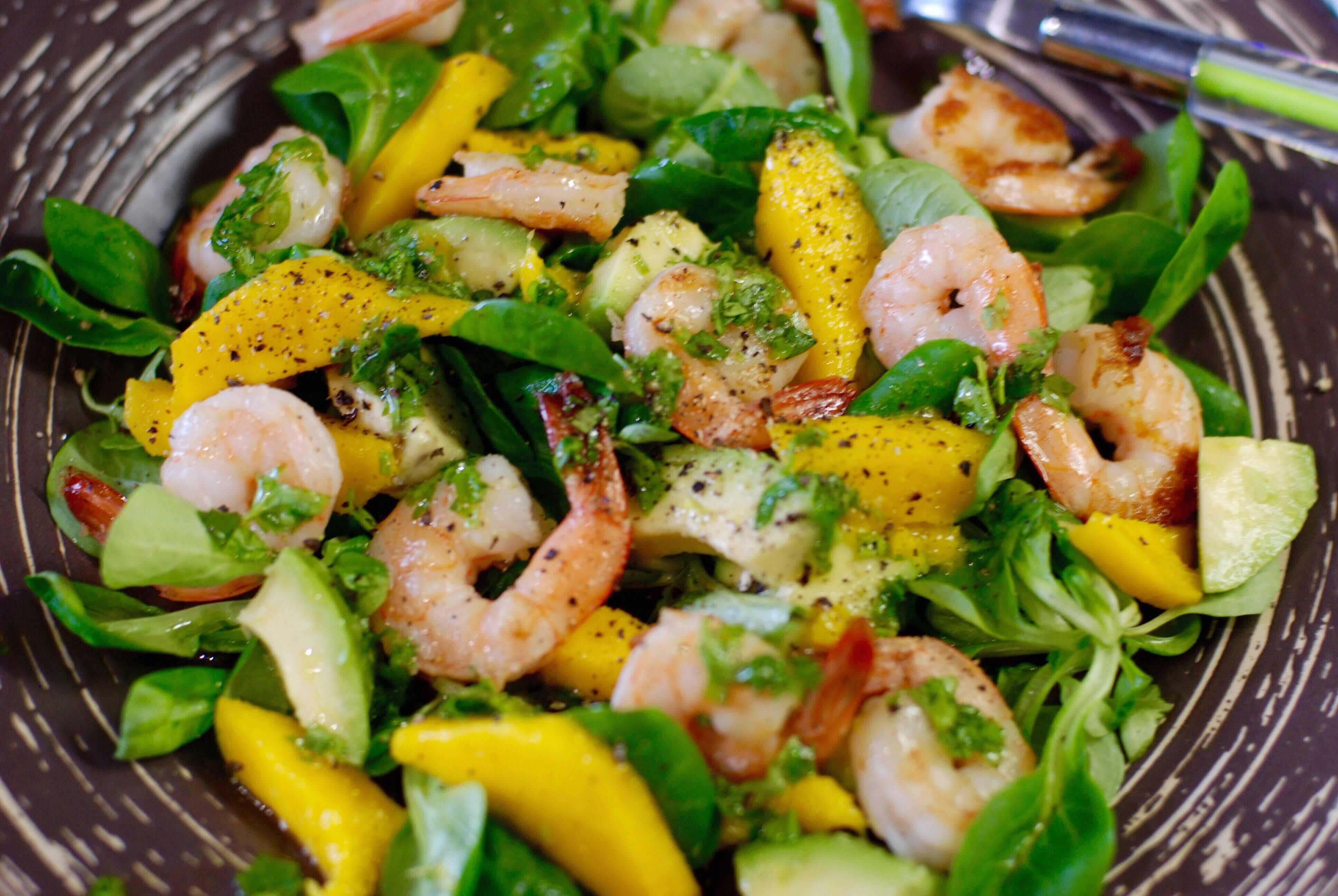 Салат с креветками и авокадо - 8 вкусных рецептов приготовления