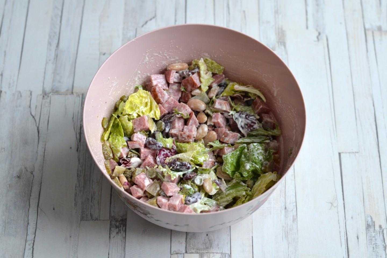 Салат с фасолью и копченой колбасой - 13 вкусных рецептов