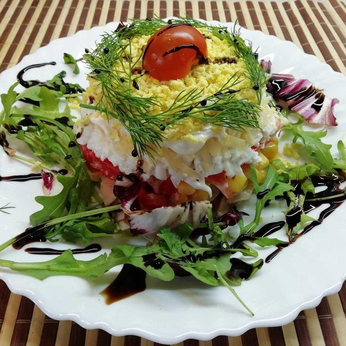 Салат с ветчиной и кукурузой. 7 вкуснейших вариантов быстрого салата к празднику