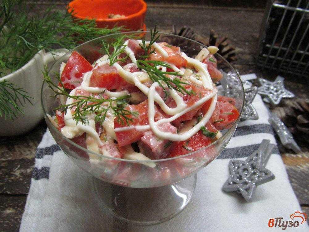 Салат с жареной говядиной с кунжутом и перцем