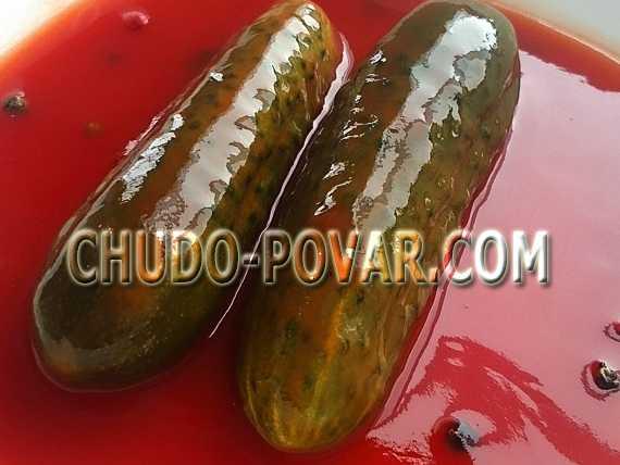 Простой способ приготовления огурцов с кетчупом чили без стерилизации