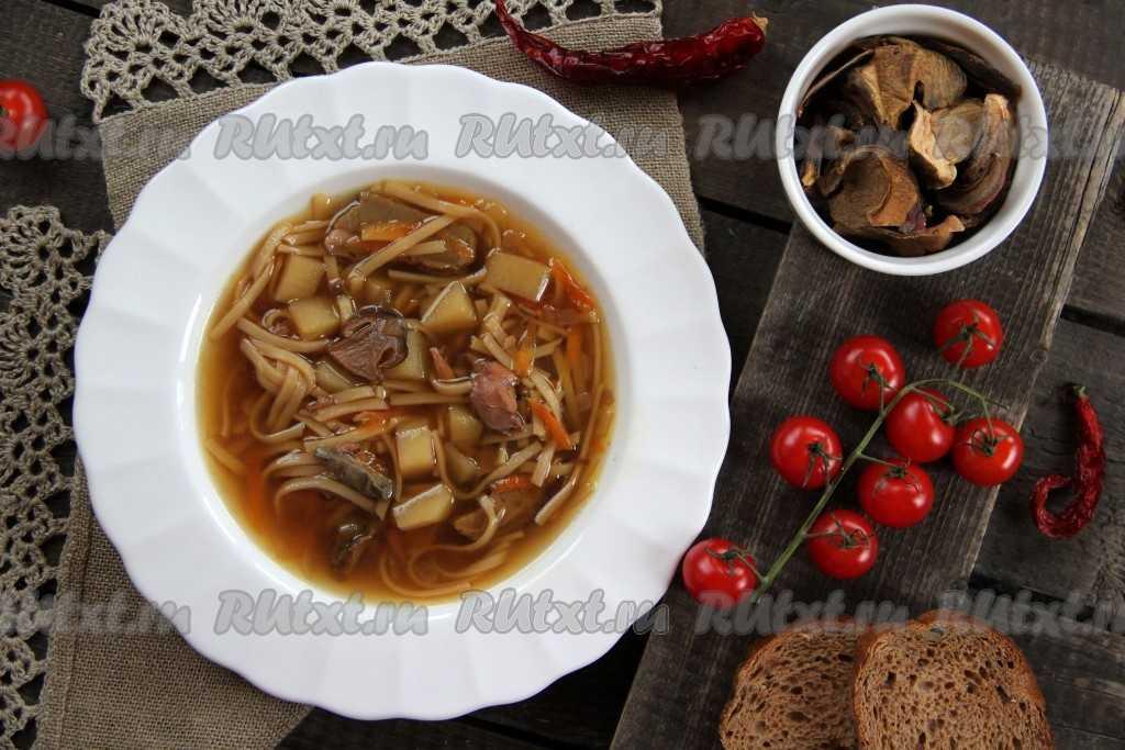 Из свежих и сушёных: 10 рецептов вкуснейших супов из белых грибов