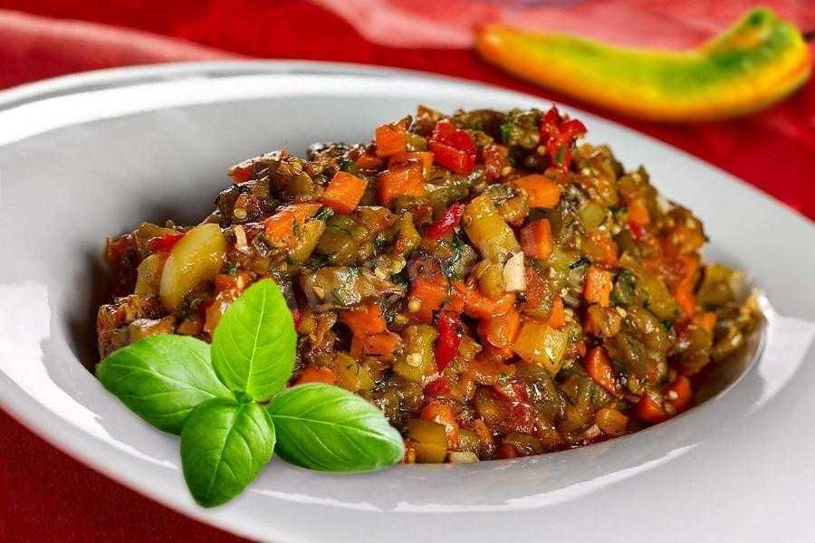 Баклажанная икра на зиму: простые рецепты приготовления на сковороде, в мультиварке, через мясорубку, с кабачками