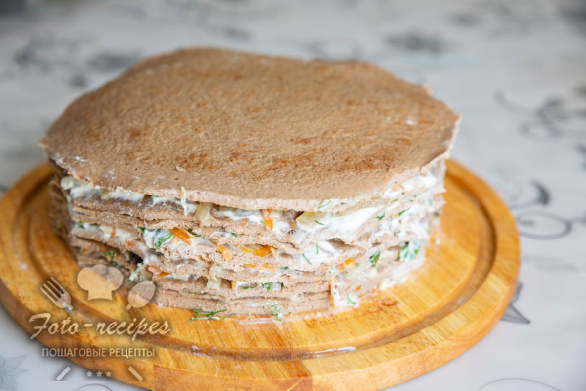 Печёночный торт из свиной печени — 6 рецептов