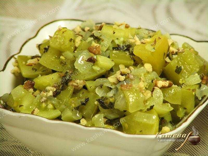 Салат из зеленых помидор по-корейски с морковью