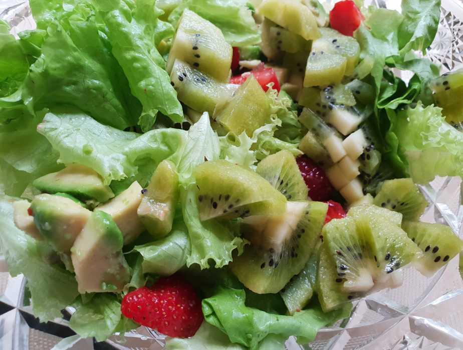 Фруктовый салат с йогуртом (классический) – самое лучшее сочетание фруктов