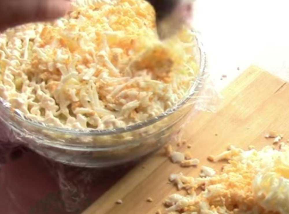 Салат грибная поляна ‒ украшение любого праздничного стола: рецепт с фото и видео
