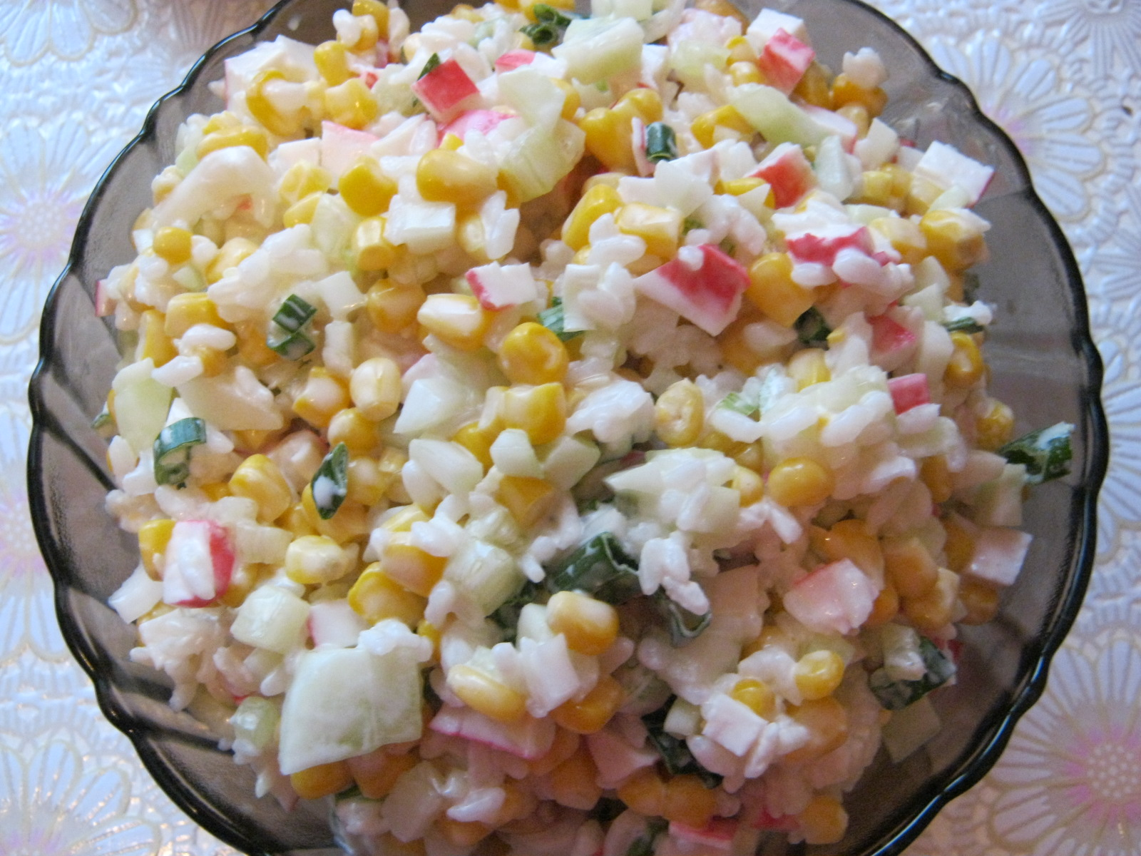 Диетический салат с крабовыми палочками: классический рецепт и низкокалорийные варианты без майонеза