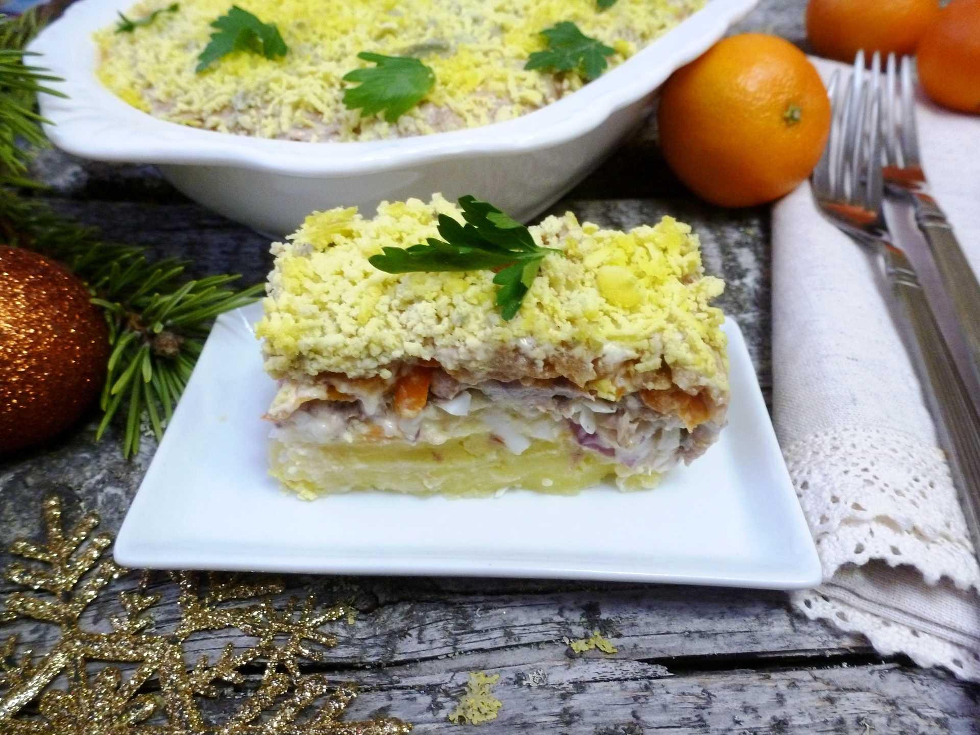 Салат мимоза с сайрой: простой традиционный рецепт