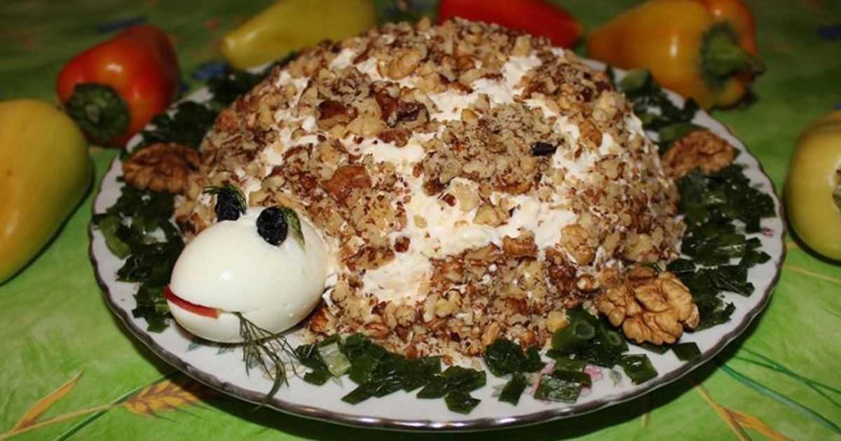 Салаты с грецким орехом: простые и очень вкусные рецепты орехового салата