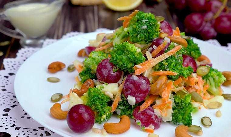 Салат с брокколи и креветками рецепт с фото пошагово - 1000.menu