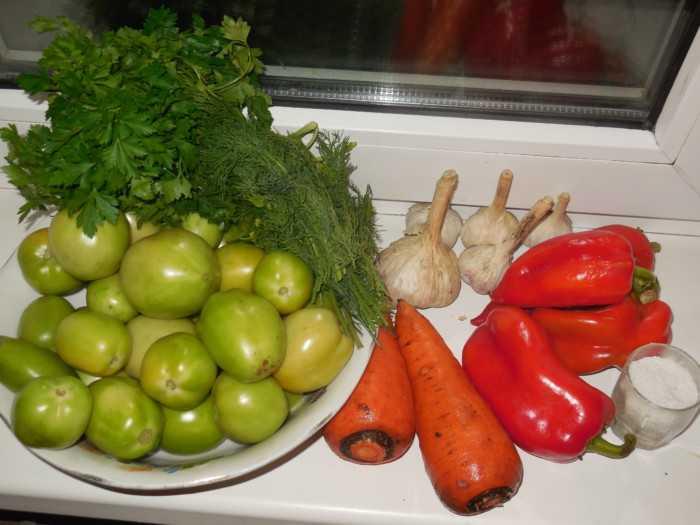 Зелёные помидоры маринованные с чесноком на зиму простой рецепт с фото