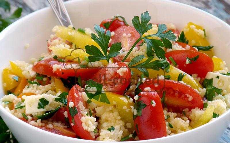 Салат из куриной грудки со сливами и кускусом — пошаговый кулинарный рецепт приготовления салатов с фото